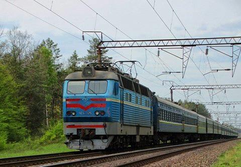 Укрзалізниця призначила 7 додаткових поїздів на травневі свята
