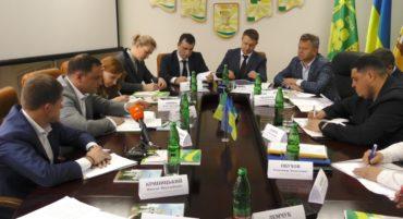 Губернатор та прокурор Київщини обіцяють, що асфальтний завод поблизу курортного Ворзеля демонтують