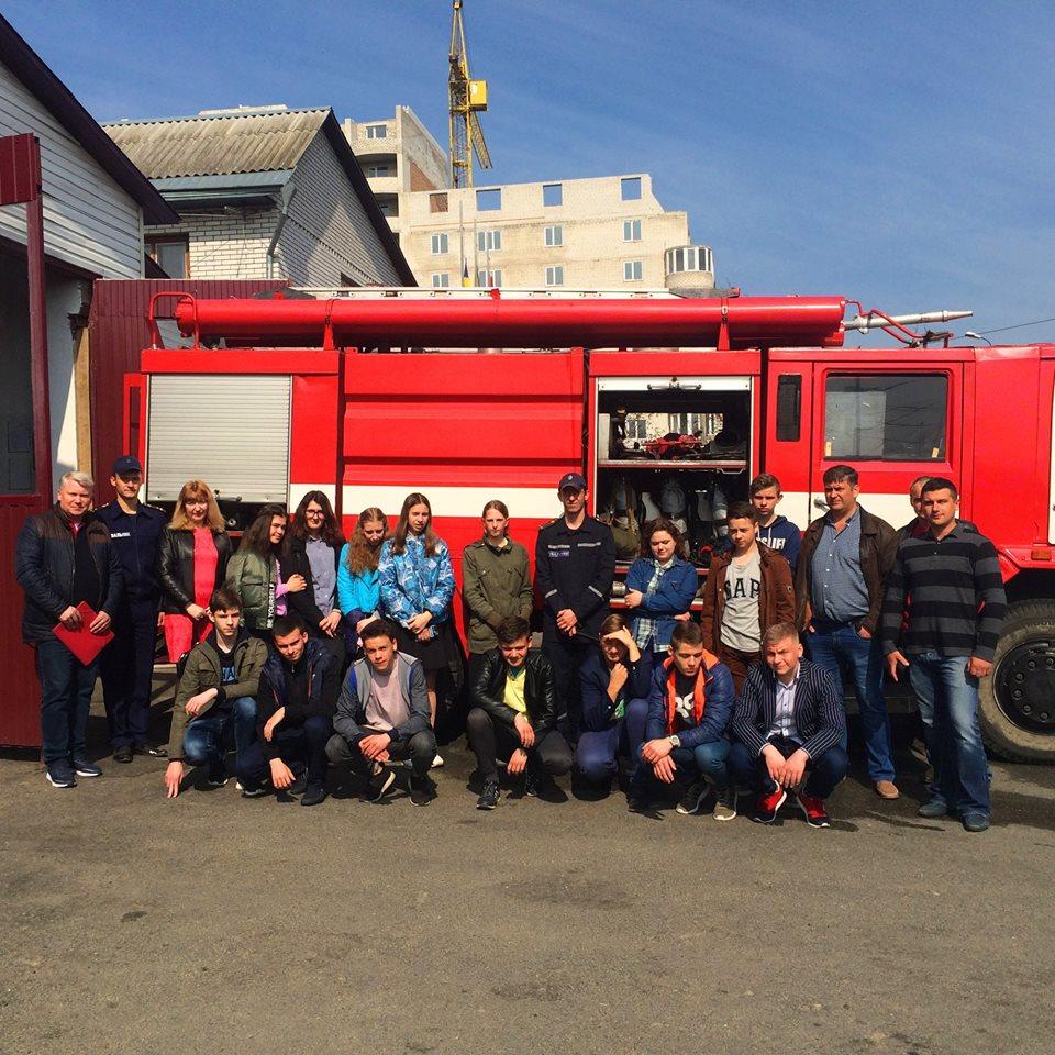 0205_pozhezhnyky Робота – вогонь: екскурсія до рятувальників Бородянщини