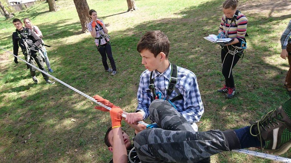 0705_turyst_1 Школярі Бородянщини готуються до змагань з техніки пішохідного туризму
