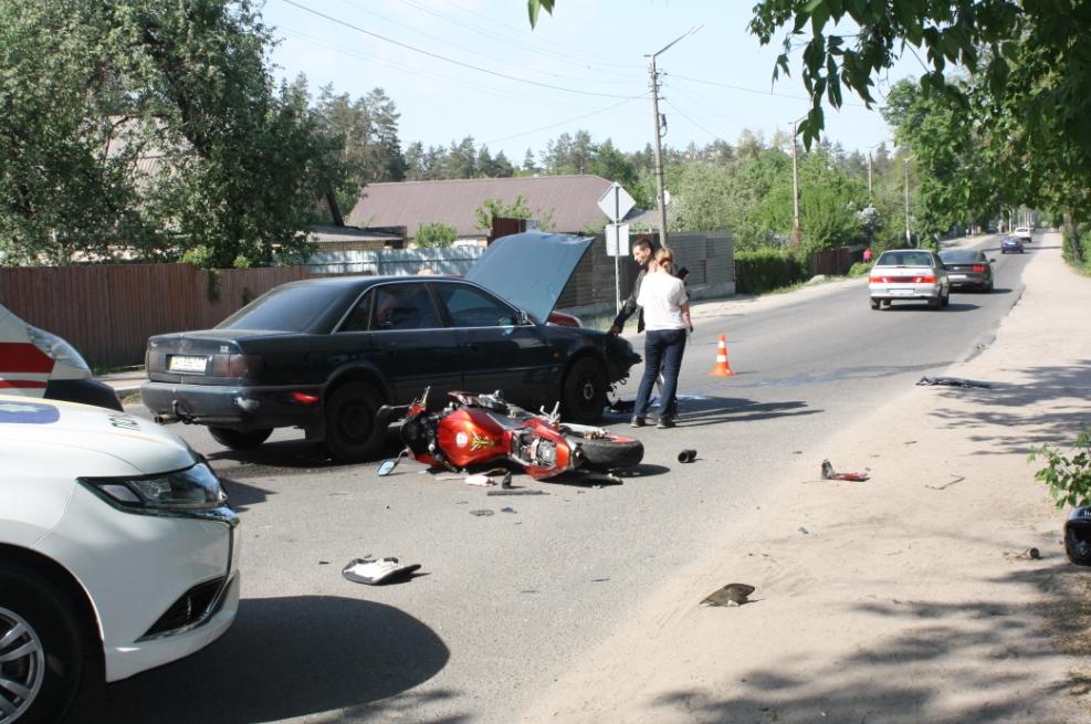 У неділю на вулицях Ірпеня сталося декілька аварій: основний удар прийняли на себе транспортні засоби