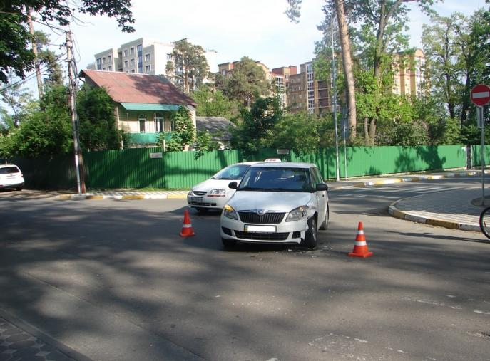 DTP-Irpin-Sadova В Ірпені по вулиці Садовій знову сталася аварія