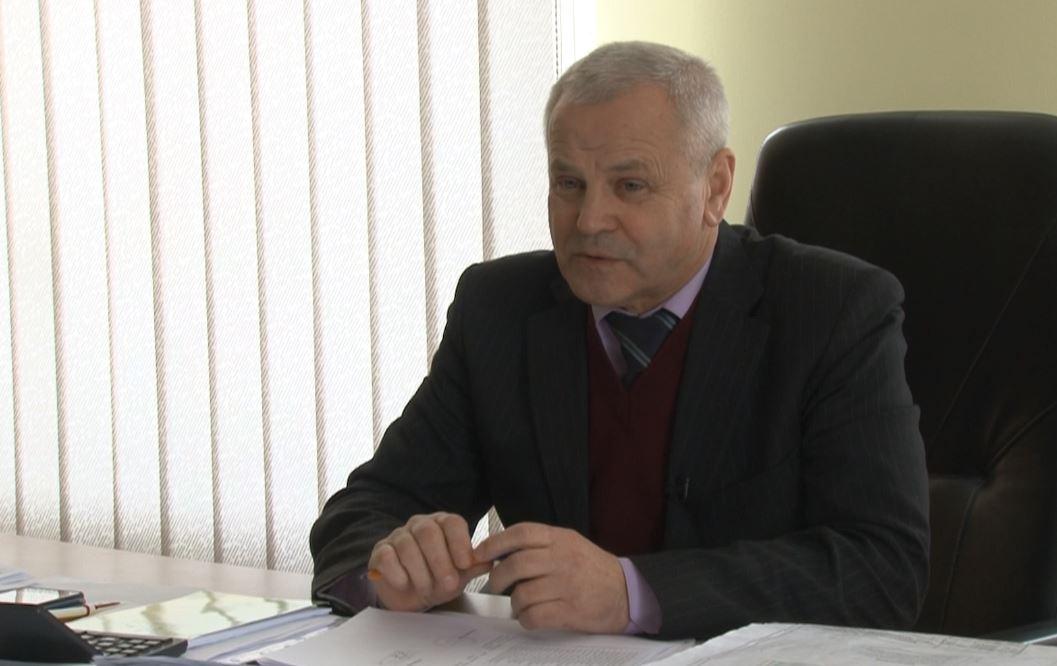 """golova-naglyadovoyi-rady-PrAT-Meliorator-Vasyl-YAtsyuk У Приірпінні з кранів тече """"отрута"""": вода не відповідає державним стандартам"""