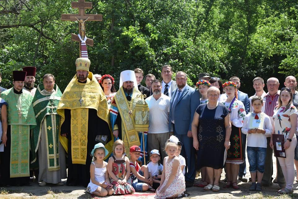 4-2 У Гостомелі освятили місце під зведення першого Храму УПЦ Київського патріархату
