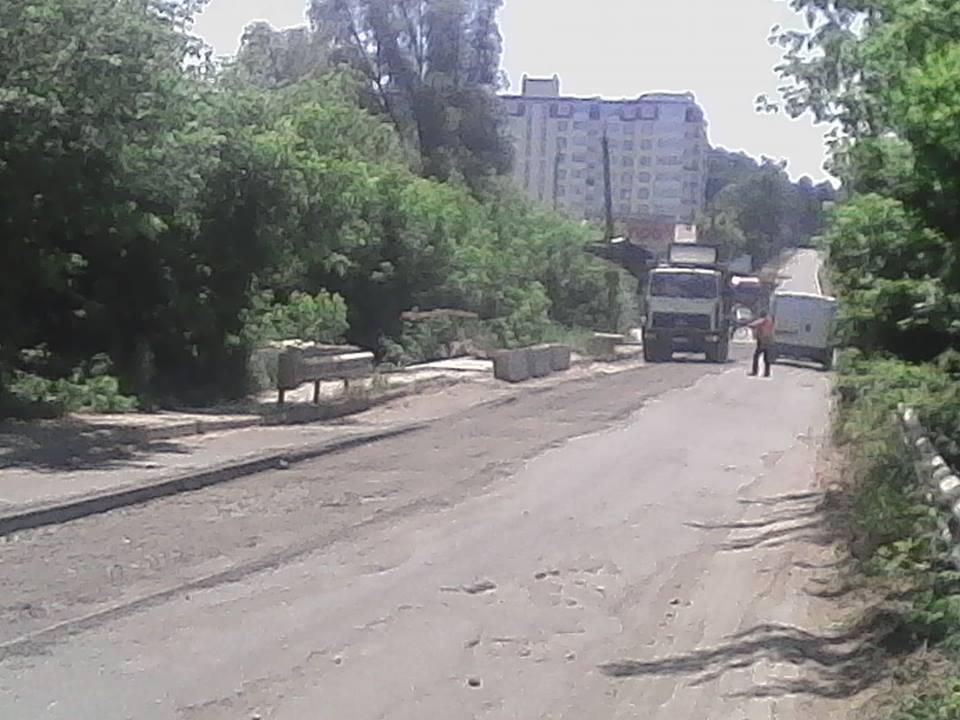 Крига скресла: після довгих очікувань та обіцянок розпочато ремонт дороги через річку Рокач