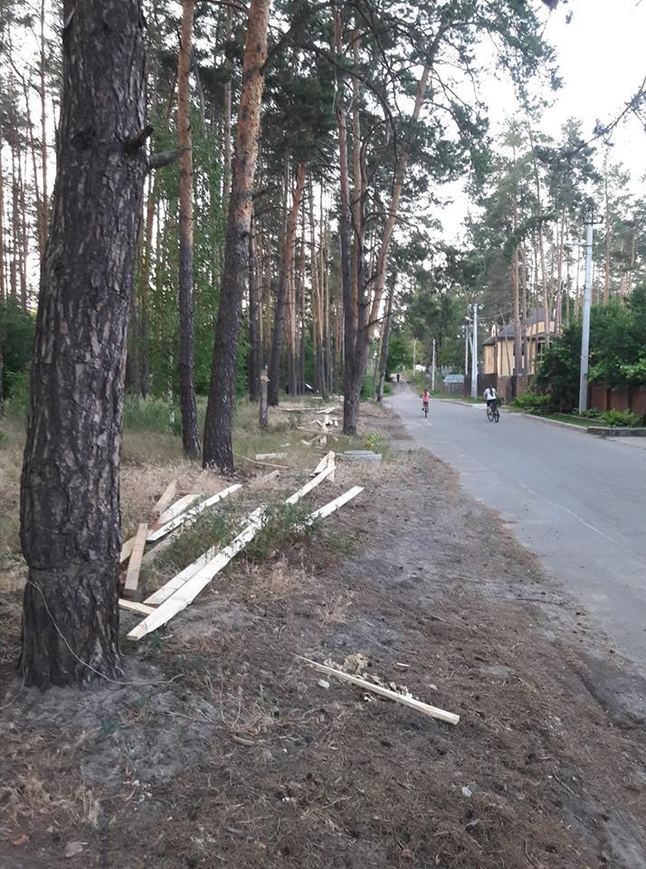 В Ірпені по вулиці Львівській стався черговий парканопад: ціна питання — 15 мільйонів гривень