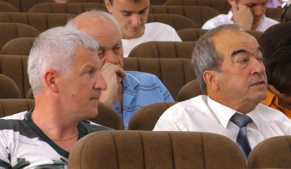 """Sesiya-52-Nelyub-Pikul В Ірпені 52-га сесія ІМР ознаменувалася політичним демаршем фракції """"Свобода"""" та зміною цільового призначення земель"""