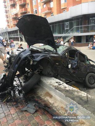Поліція розслідує страшну аварію, яка сталася в Ірпені по вулиці Університетській: у водія виявлено 1,85 проміле алкоголю