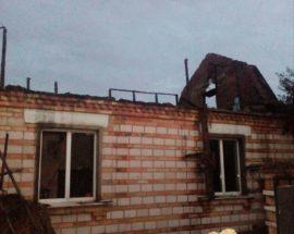 У селі Митниця Васильківського району пожежа знищила дах житлового будинку