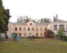 У Гостомелі школа №15 опинилася під загрозою закриття: ірпінські чиновники обіцяють возити дітей до іншого навчального закладу