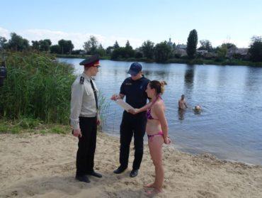 """Небезпека від води: ірпінські рятувальники та """"Погляд"""" вирушили у профілактичний рейд до місць відпочинку людей поблизу водойм"""