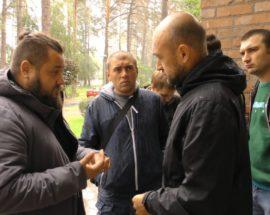 """Комісія замість розірвання договору: бучанські депутати вивчатимуть ситуацію зі стрільбою поблизу """"Кампи"""", яку тітушки відкрили по місцевих жителях"""