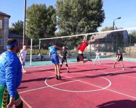 Осінній волейбол у Василькові зібрав аматорів і любителів