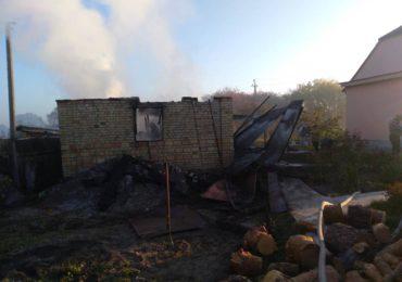 У Плесецькому на Васильківщині згоріла будівля: обійшлося без жертв