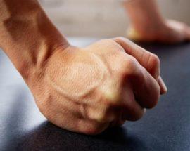 Бійка на ірпінській парковці: судитимуть чоловіка, який завдав своєму знайомому тяжких тілесних ушкоджень