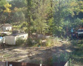 """""""Зачистка"""" слідів злочину: у Бучі на скандальній ділянці поблизу """"Кампи"""" зранку зафіксували екскаватор та вантажівки"""