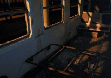 Вандали розтрощили вагон фастівської електрички поліція відреагувала тільки наступного дня