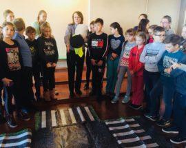 Васильківські поліцейські грали з дітьми в ігри заради безпеки на дорозі