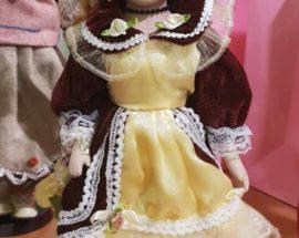 Хендмейд і благодійність: у Васильківському музеї виставка ляльок ручної роботи