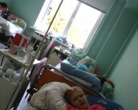 Свідки, відгукніться: мама 15-річної Олени Сивак, яка 31 жовтня постраждала унаслідок падіння з маршрутки, з'ясовує обставини надзвичайної події
