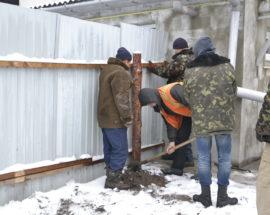 В Броварах демонтують самовільно встановлені паркани та конструкції