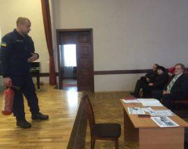 Рятувальники нагадували працівникам культури Василькова правила пожежної безпеки та евакуації