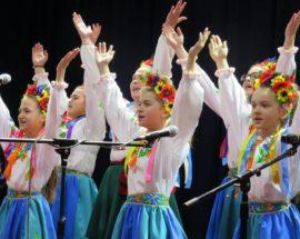 """В Броварах відбувся фестиваль патріотичної творчості """"З Україною в серці"""""""