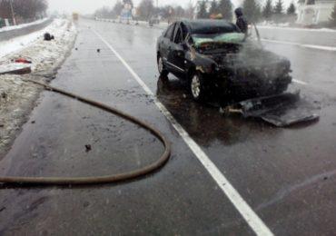 ДТП у Гребінках на Васильківщині: один автомобіль загорівся, водій травмувався