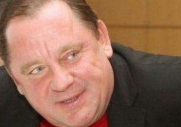 Помер колишній скандальний ректор Податкової академії Петро Мельник