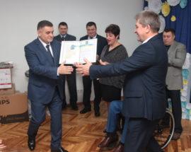 Очільник Київщини відзначив подяками та почесними грамотами працівників дитячого центру в Броварах