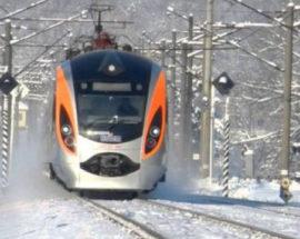 На зимові свята Укрзалізниця призначила вже 5 додаткових поїздів