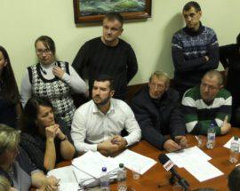 Сільському голові та депутатам, які приєднали Михайлівку-Рубежівку до Ірпеня, влаштували коридор ганьби