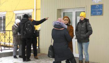 Обвинуваченого у побитті голови ТВК селища Коцюбинське Людмили Демченко не привезли до суду — зламався спецавтомобіль