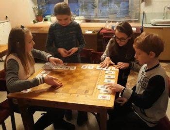 Не комп'ютером єдиним у Фастові почав діяти клуб настільних ігор для дітей