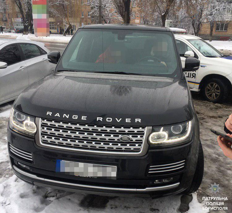 Патрульні Борисполя зупинили водія на вкраденому авто - Поліція, підробка, Бориспіль, авто - 51899426 2340121306209658 2920294679985520640 n