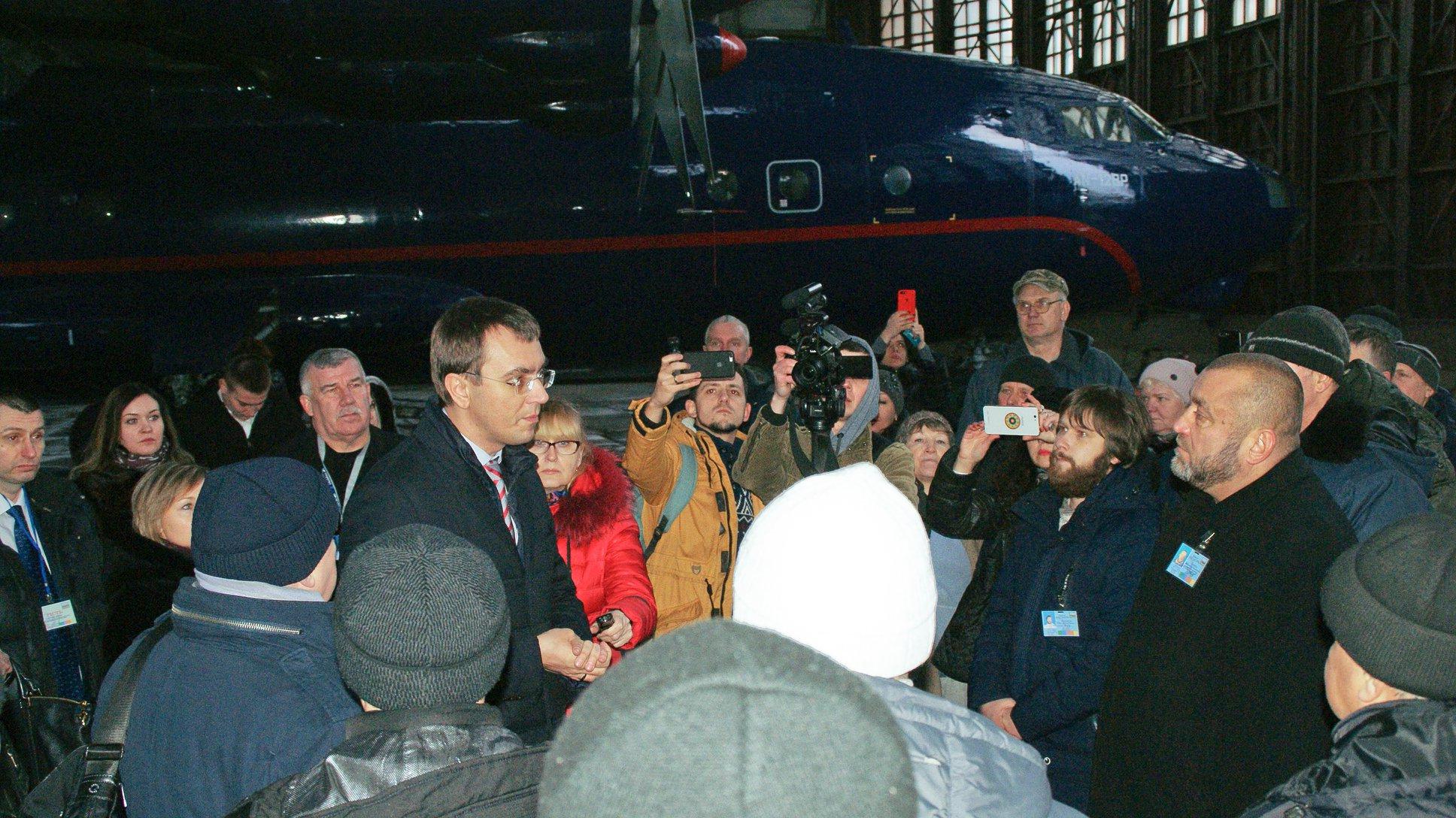 Білу Церкву відвідав міністр інфраструктури з інспекцією місцевого авіакомплексу