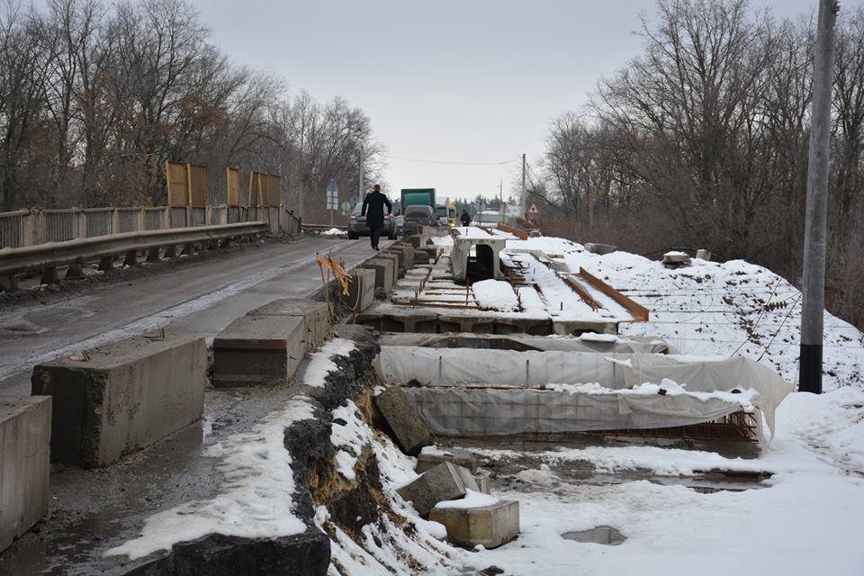 Міністр інфраструктури пообіцяв відремонтувати дороги в Миронівці