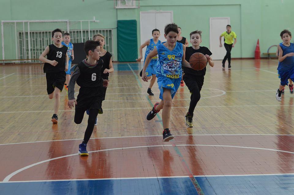 Юні баскетболісти з Броварів провели останній груповий тур всеукраїнської ліги