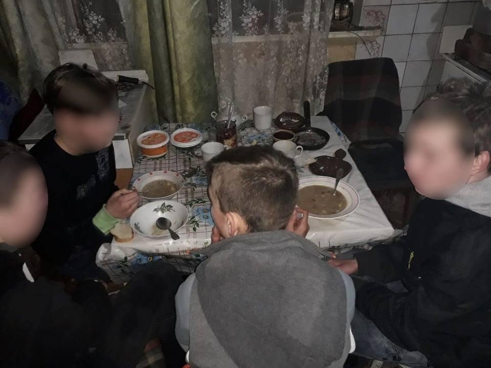 Чотирьох із шести неповнолітніх втікачів знайшли на Васильківщині