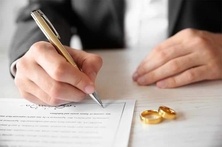 Шлюбний договір: навіщо та як укласти?