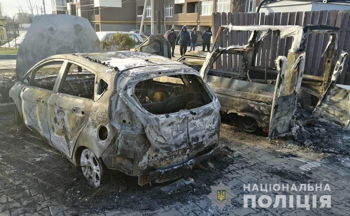 В Ходосівці згорів автомобіль журналіста - Ходосівка, правоохоронці, підпал, напад на журналіста, журналіст, ГУ НП у Київській області, автомобіль - D0B6D183D180D0BDD184D0BED182D0BE2