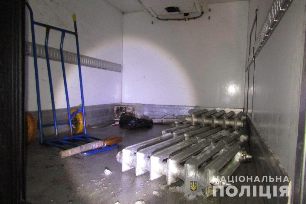Раніше судимих крадіїв затримали у Василькові «на гарячому»