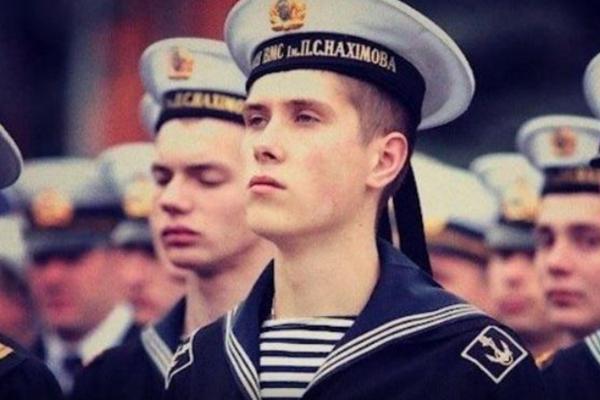 screenshot17 Двоє полонених українських моряків отримали офіцерські звання