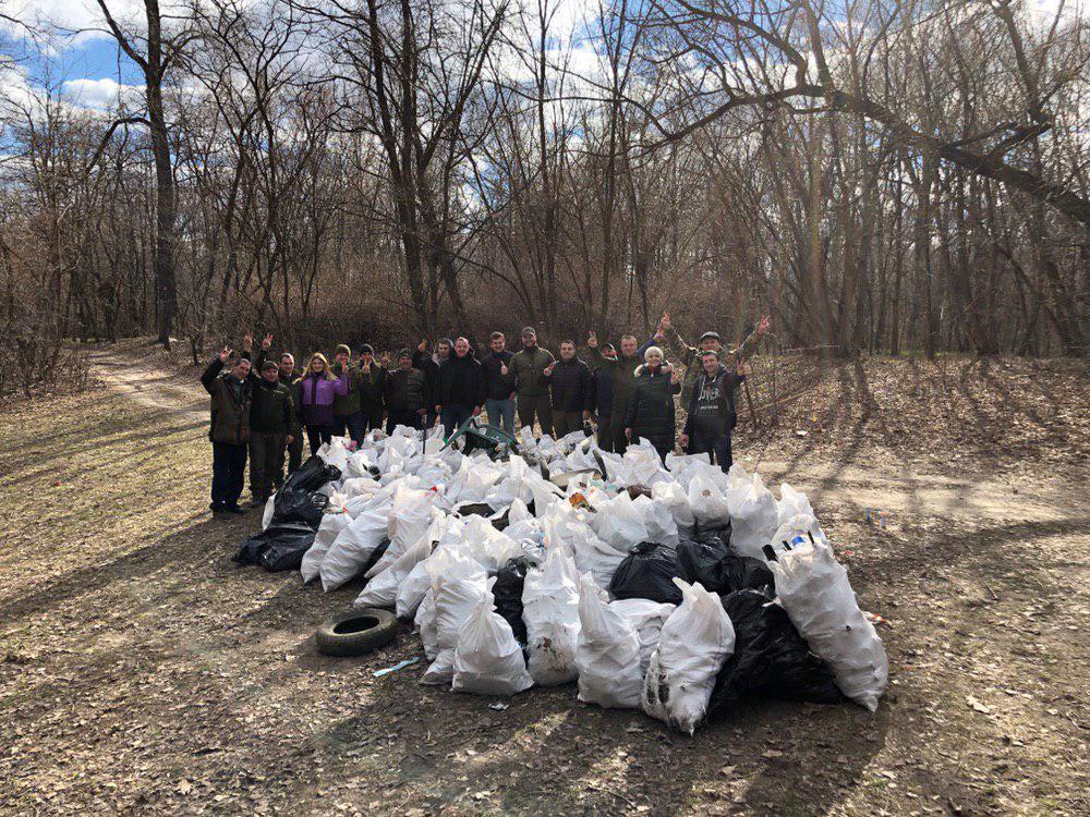 0325_prybyr_beregiv1 Береги річок і водосховищ Київщини очистили від сміття