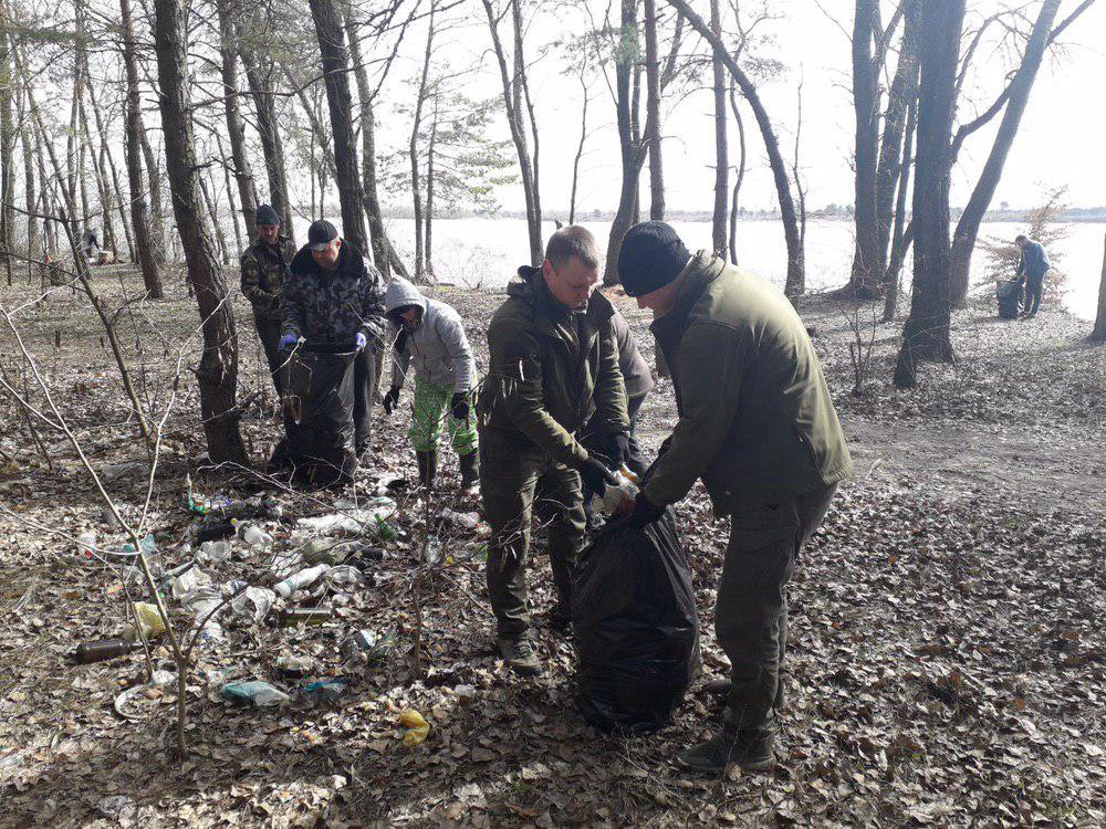 0325_prybyr_beregiv2 Береги річок і водосховищ Київщини очистили від сміття