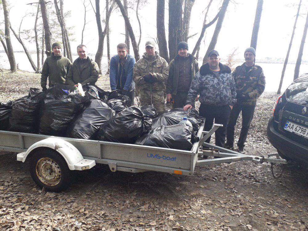 0325_prybyr_beregiv3 Береги річок і водосховищ Київщини очистили від сміття