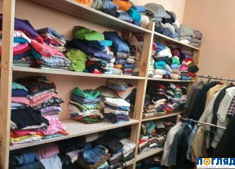 У Василькові діє «банк одягу»