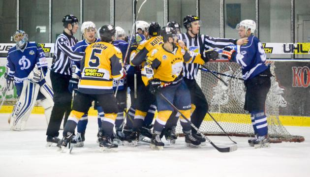 Білоцерківський «Білий Барс» переміг харківське «Динамо» та вийшов у хокейний півфінал