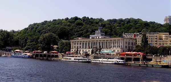 Київський Річковий вокзал стане сучаснішим -  - RVK