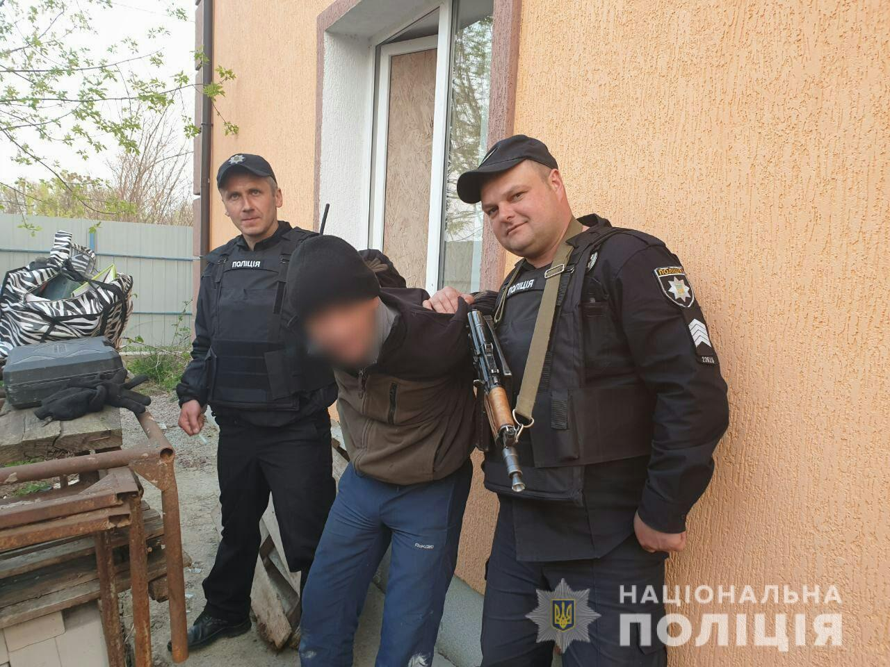 На Макарівщині поліцейські спіймали на «гарячому» квартирного злодія - крадій, крадіжка - 2404 krazha
